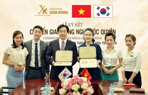 Kí kết chuyển giao công nghệ độc quyền tại Thẩm mỹ viện Xuân Hương