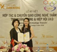 Thẩm mỹ viện Xuân Hương nhận bằng khen của hiệp hội IHO Hàn Quốc